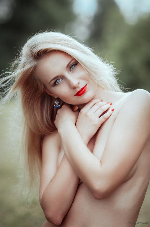 http://sd.uploads.ru/t/KwV9B.jpg