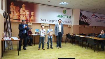 http://sd.uploads.ru/t/Ra1YG.jpg
